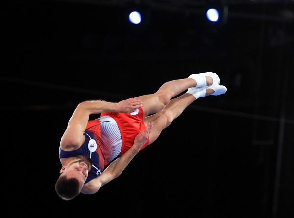 Россияне Юдин и Ушаков вышли в финал ОИ-2020 в прыжках на батуте