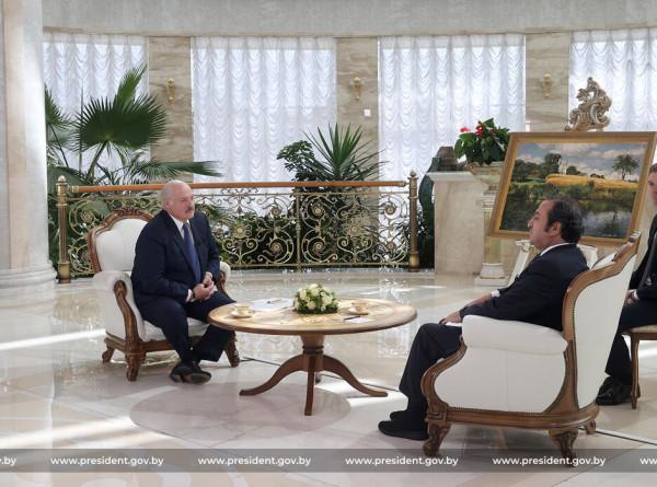 Лукашенко в интервью телеканалу Sky News Arabia рассказал об отношениях с Западом и нелегальной миграции