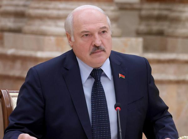 «Бойцы, но без оружия»: Лукашенко обсудил с дипломатами приоритеты внешней политики