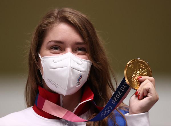Стрелок Бацарашкина принесла России первое золото Олимпиады в Токио