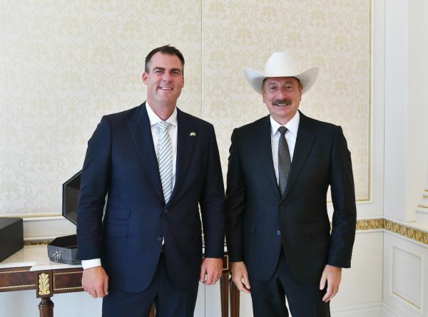Президент Азербайджана принял делегацию из США