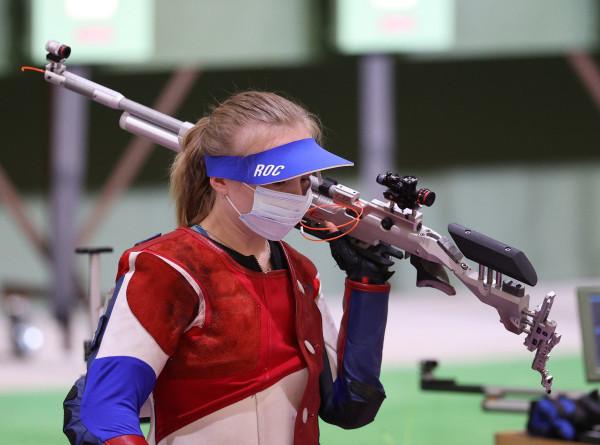 Россиянки Зыкова и Каримова завоевали в Токио серебро и бронзу в стрельбе из винтовки