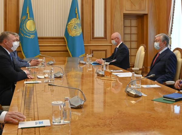 Токаев поблагодарил главу Астраханской области за поддержку казахов в регионе