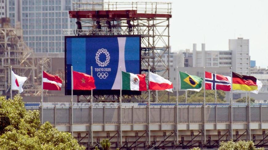 Спортдайджест: чирлидеры заряжают Токио позитивом, олимпийские лоты уйдут с молотка, Усейн Болт опасается за свои рекорды