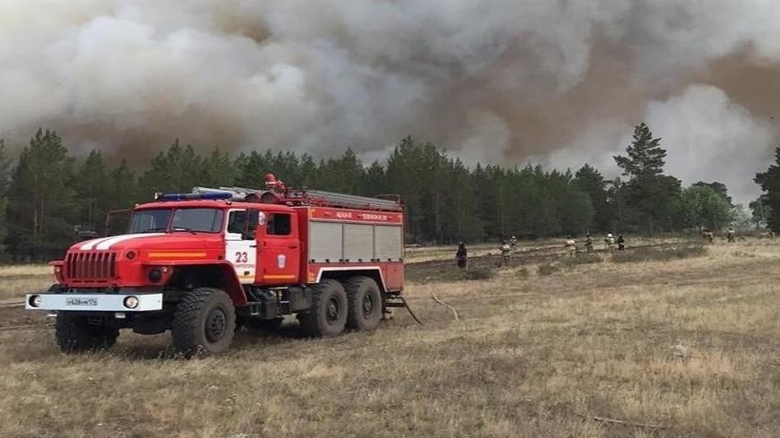 Огенный шторм в Челябинской области: к тушению пожаров привлечены более 630 человек