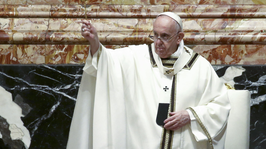 Папу римского собираются оперировать