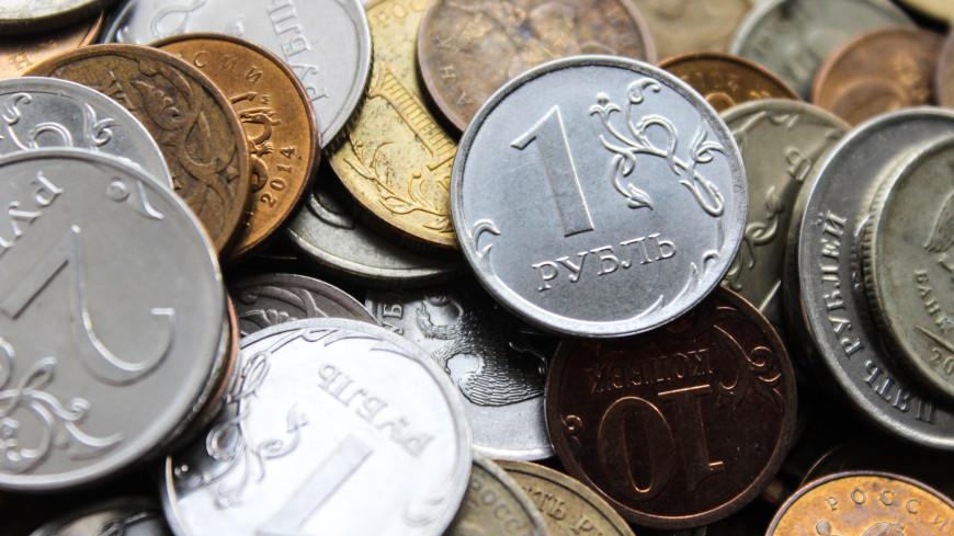 Российский рубль оказался среди самых недооцененных валют по «индексу бигмака»