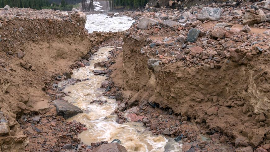 Удар стихии: селевые потоки накрыли Иссык-Кульскую область Кыргызстана