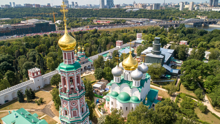 В Новодевичьем монастыре обнаружили две фрески времен Бориса Годунова
