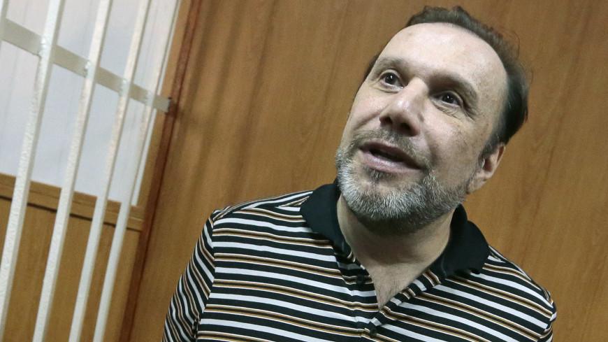 СКР попросил суд заключить Виктора Батурина под стражу