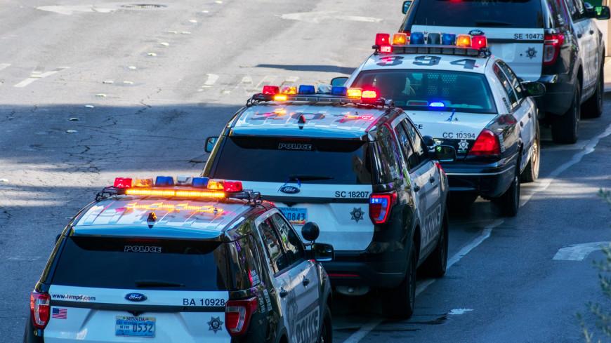На Таймс-сквер в Нью-Йорке полицейские обнаружили подозрительный контейнер