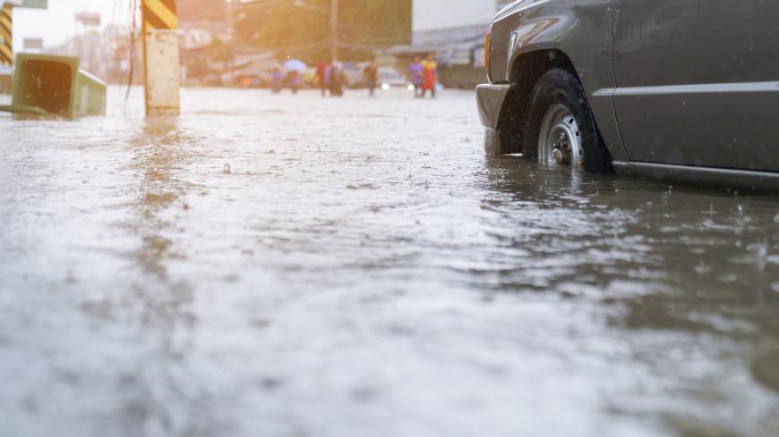 Накрыло непогодой: В Японии и Китае людей эвакуируют в безопасные районы