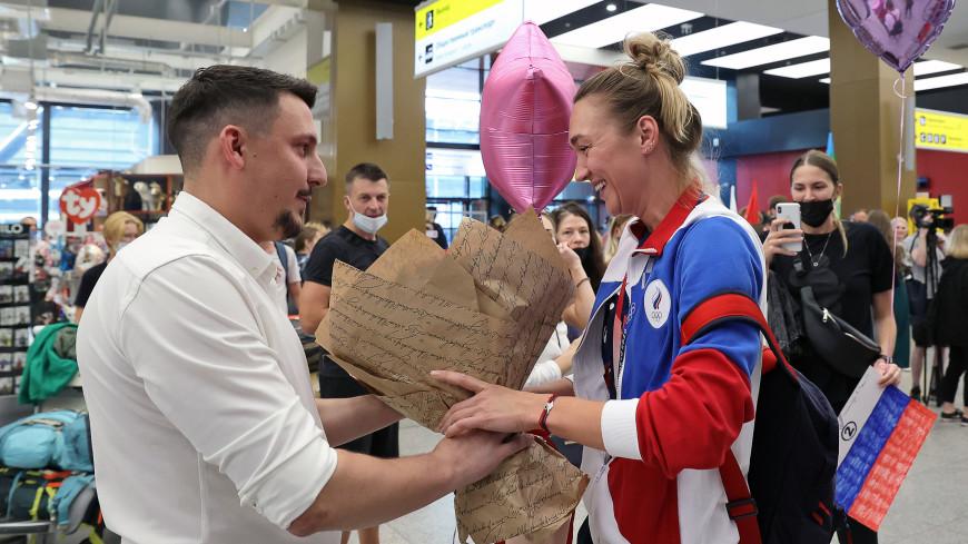 Баскетболистка Логунова получила предложение руки и сердца по прилете с Олимпиады