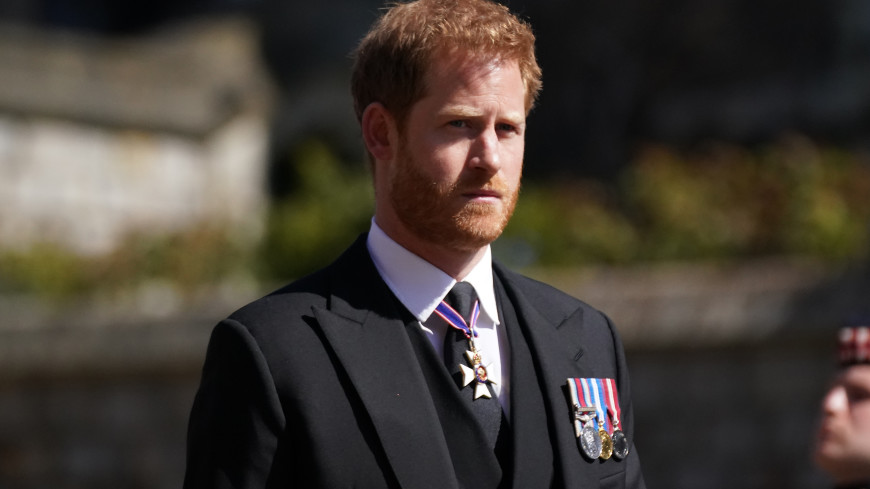 Принц Гарри собирается выпустить мемуары о жизни в королевской семье
