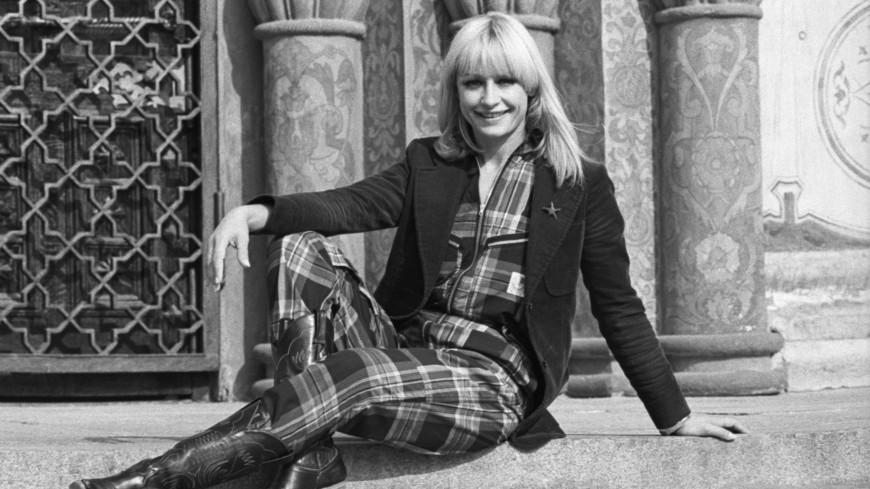 Умерла итальянская певица и телеведущая Рафаэлла Карра