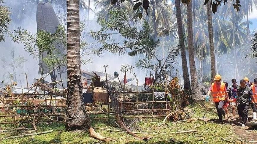 Число погибших при крушении самолета на Филиппинах увеличилось до 31