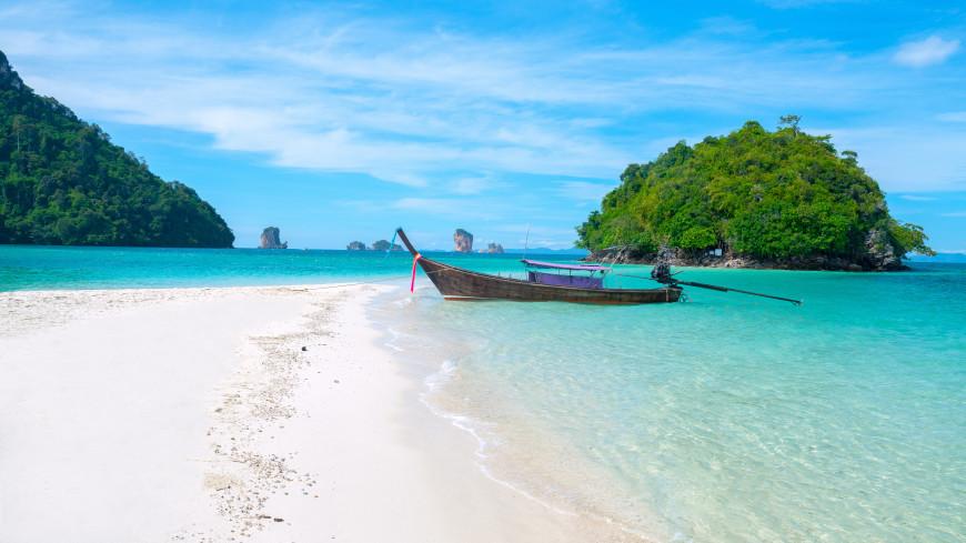 Три острова Таиланда начали принимать вакцинированных туристов
