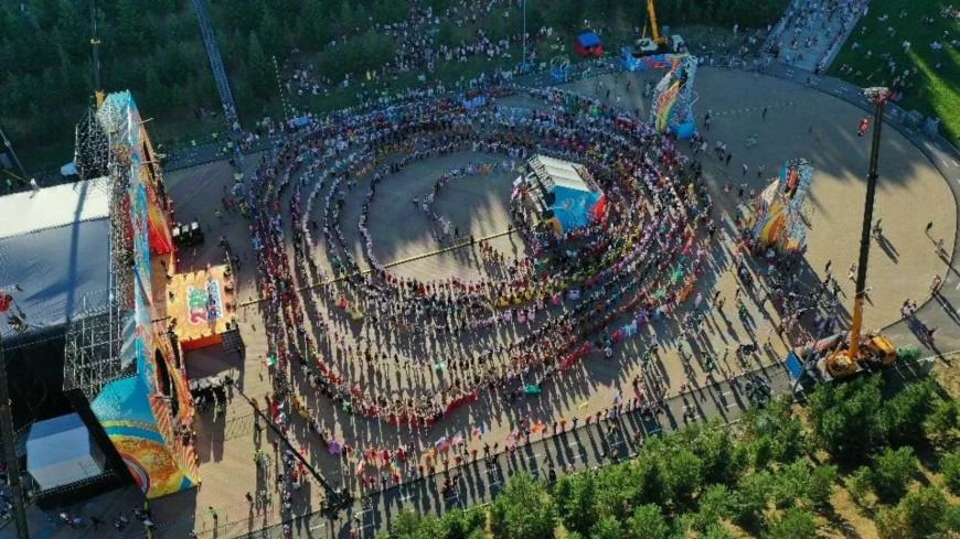 Хоровод в Уфе установил два мировых рекорда