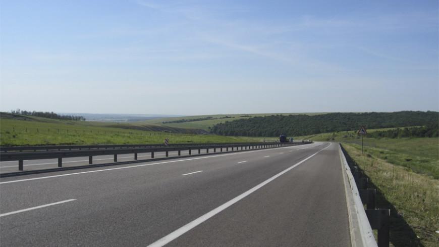 Автоэксперт перечислил способы экономии топлива в дальних поездках