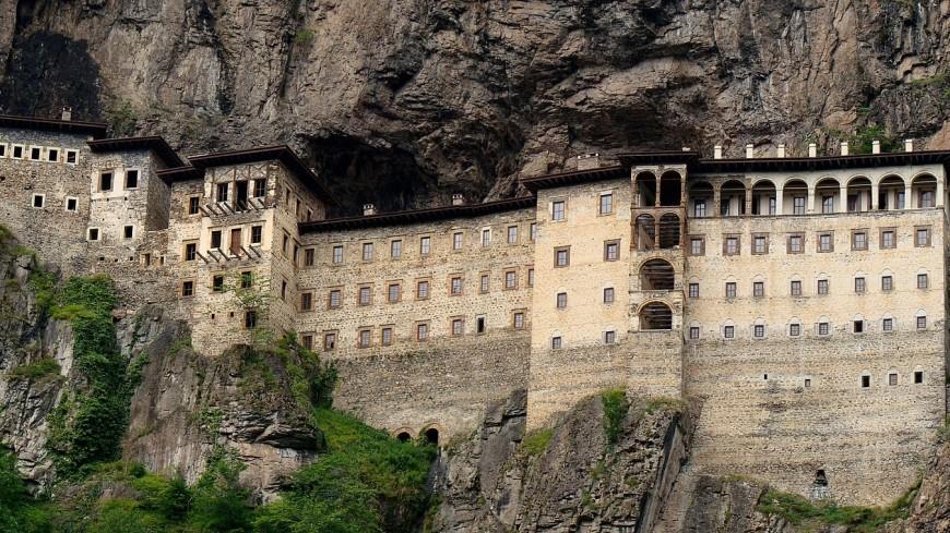 В Турции после реставрации открылся православный монастырь Панагия Сумела