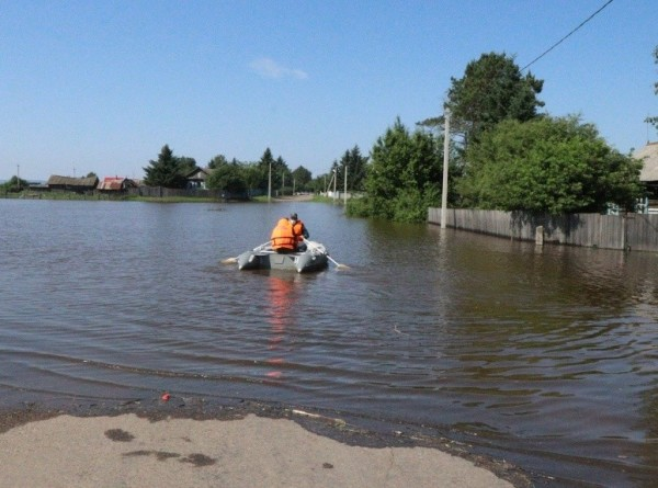 В Амурской области прорвало дамбу: под угрозой затопления находятся более 400 домов
