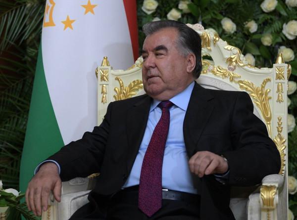 Эмомали Рахмон открыл более 10 новых соцобъектов в Дангаринском районе Таджикистана
