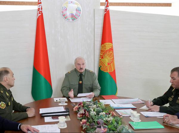 Лукашенко: Регионы Беларуси должны быть готовы к быстрой мобилизации