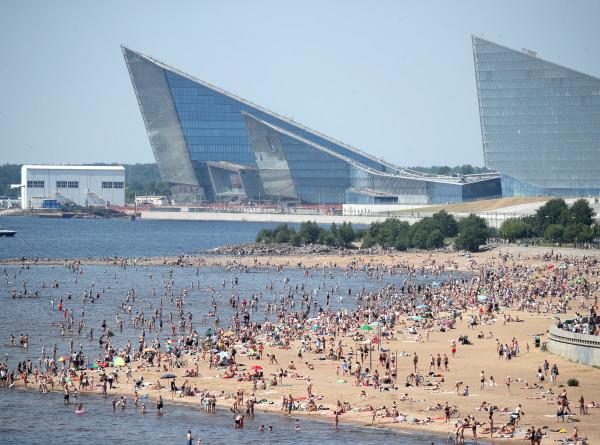 Африканский зной: жители Санкт-Петербурга изнывают от аномальной жары