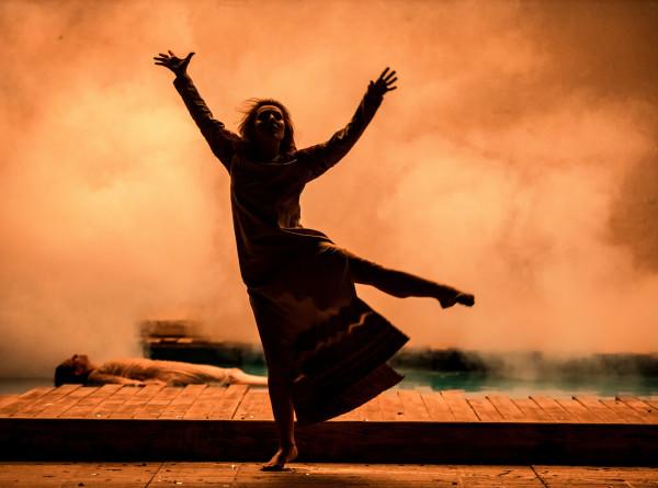 Бассейн, шашлыки и жажда любви: в Театре на Таганке представили свое видение «Снегурочки» Островского
