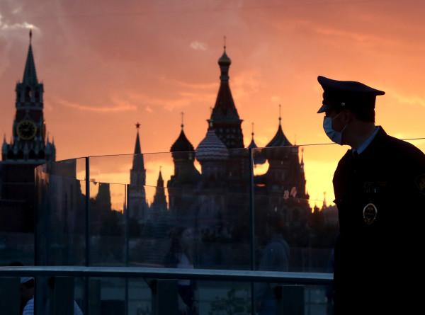 Нерабочая неделя в Москве: ночные развлечения запрещены