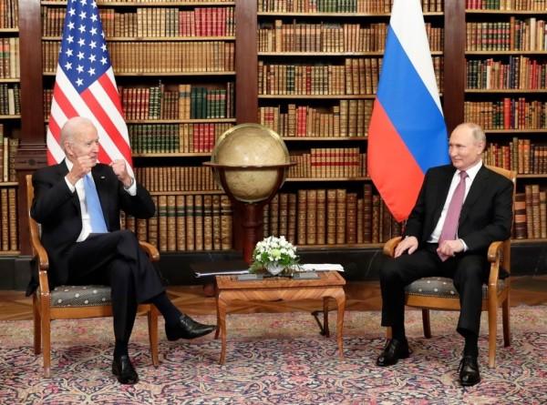 «Может рассматриваться как достижение»: западные СМИ оценили саммит США и России