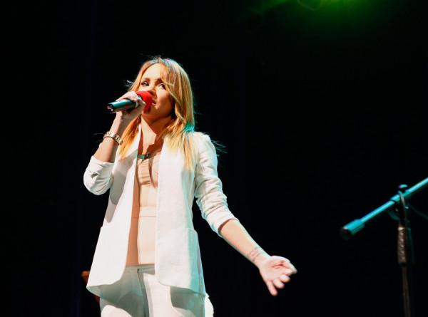 Певица МакSим попала в больницу с поражением легких в 40%