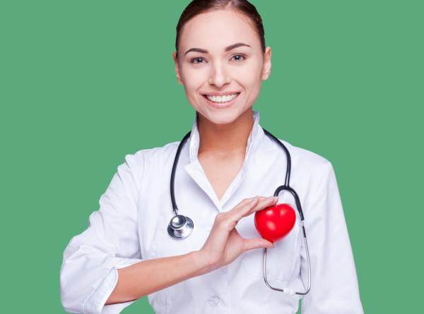 Медицинским работникам помогут проверить здоровье в «Гемотесте»