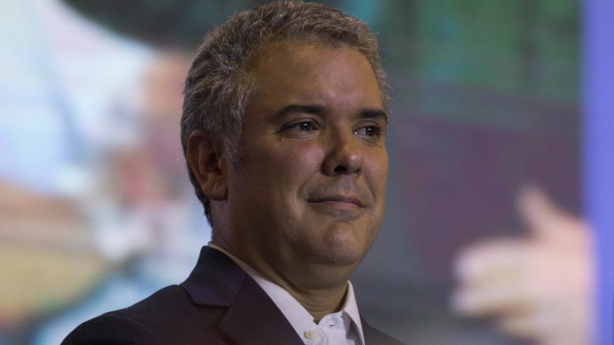 Президент Колумбии сделал прививку от коронавируса