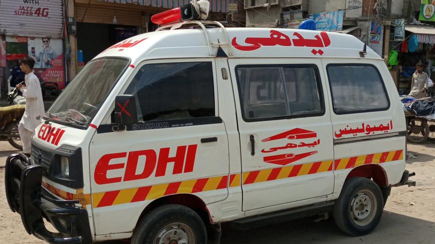 При столкновении поездов на юге Пакистана погибли 30 человек