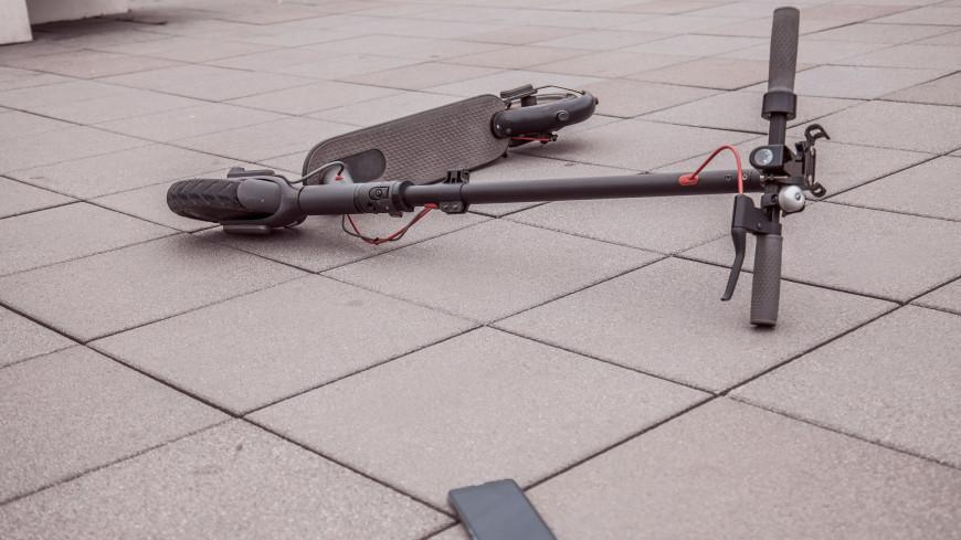 Опасная езда: в Уфе юноша на электросамокате сбил пожилого мужчину