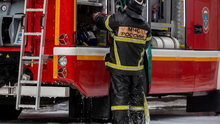 На место падения вертолета в Ленобласти выехали пожарно-спасательные службы