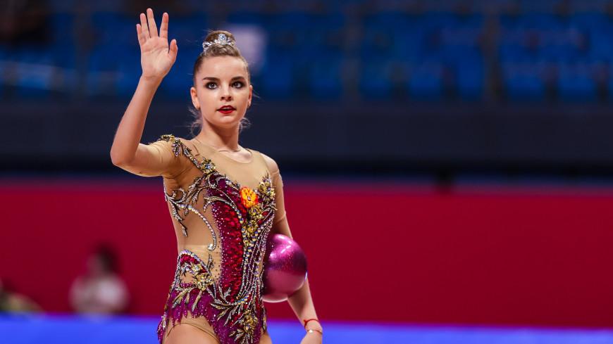 Дина Аверина выиграла чемпионат Европы по художественной гимнастике в упражнении с обручем