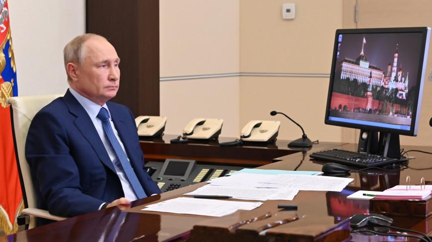 Путин передал Шойгу просьбу организовать турнир по боевому самбо на корабле ЧФ