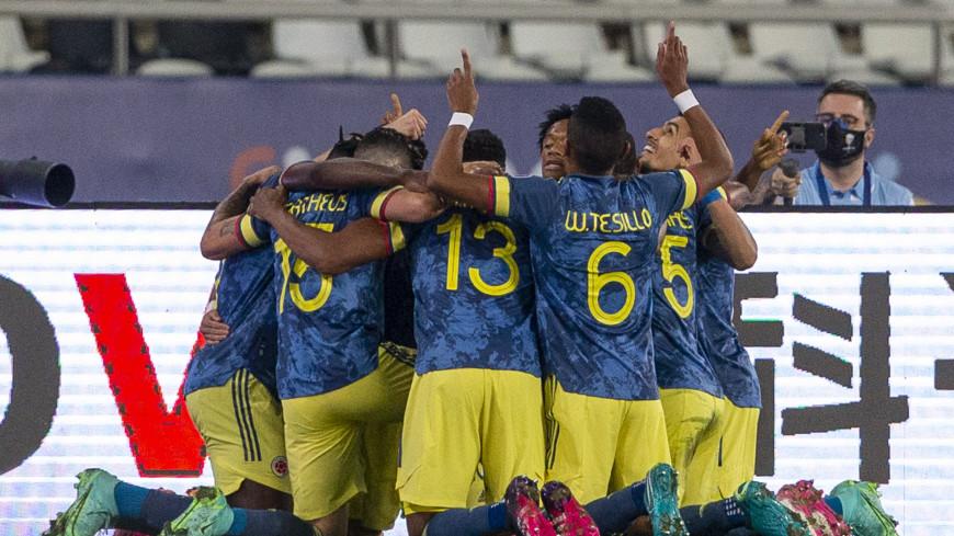 Спортдайджест: японцы второй год спонсируют суданских атлетов, 38-летняя футболистка собирается на ОИ, Луис Диас забил красивейший гол