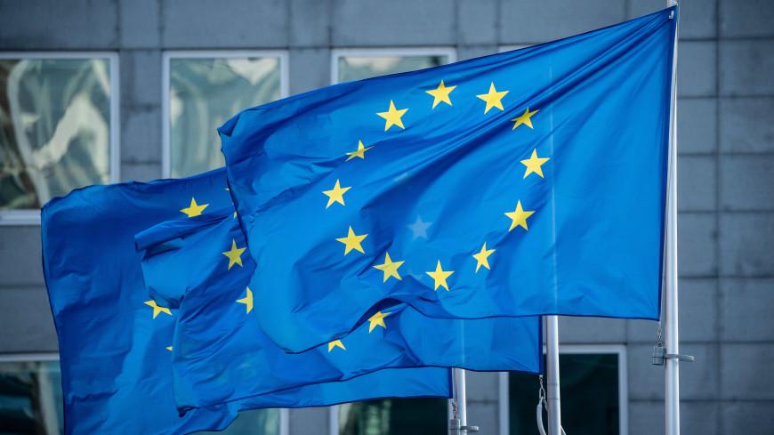 Европарламент одобрил введение с 1 июля цифровых COVID-сертификатов