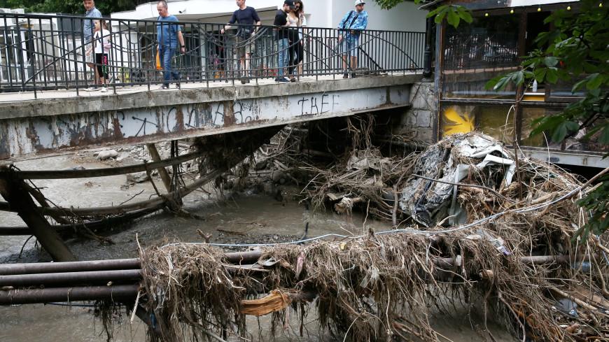 Власти оценили ущерб от наводнения в Крыму