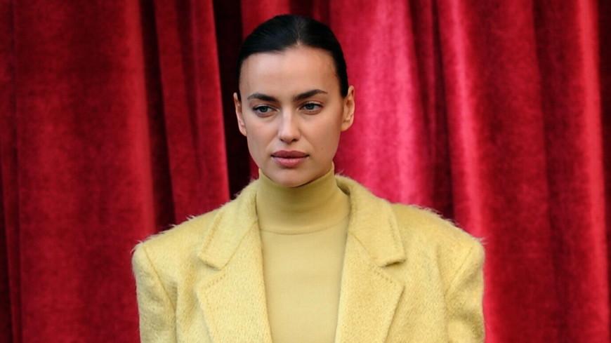 Ирина Шейк устроила модное дефиле у себя дома (ВИДЕО)
