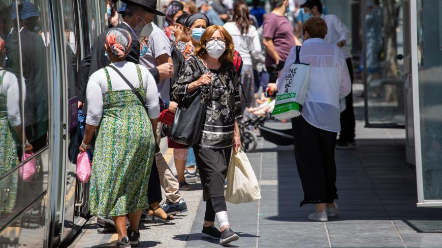 В Израиле вернулись к ношению масок из-за роста заболеваемости COVID-19