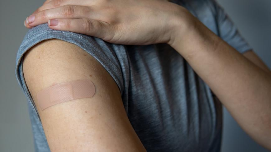 Назван частый признак коронавируса у вакцинированных