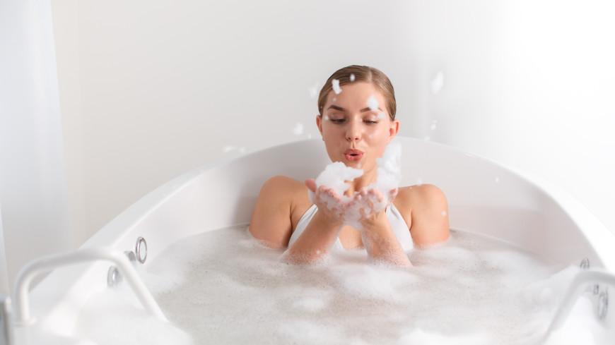 Спорт для лентяев: диетолог рассказал о похудении с помощью горячих ванн