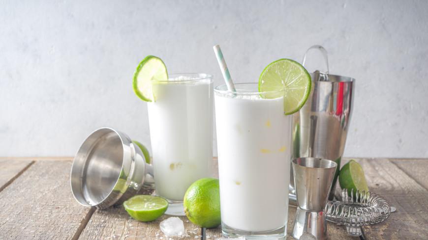 Лимонад с лаймом и мятой идеально освежит в жару: рецепт