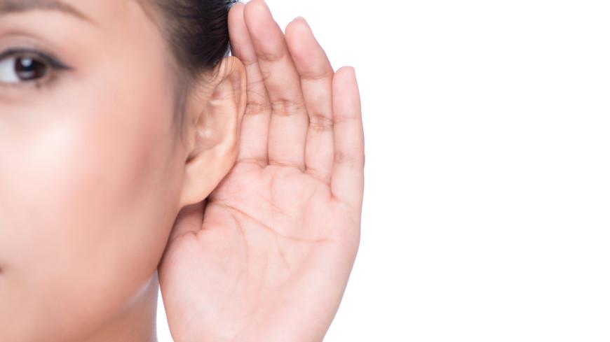 Потеря слуха: врач предупредила о новых симптомах индийского штамма коронавируса