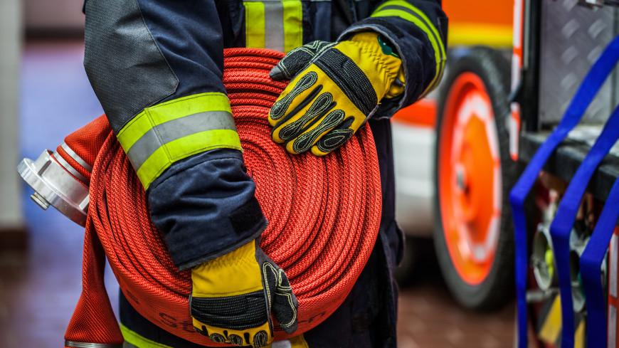 Склад сыродельной компании загорелся в Челябинске