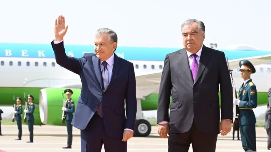 Президент Узбекистана прибыл в Таджикистан с официальным визитом
